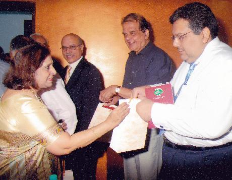 Clockwise - Ms. Manju Nichani, Mr. Shailesh Haribhakti, Dr. P S Deodhar, Mr. Dilip Piramal