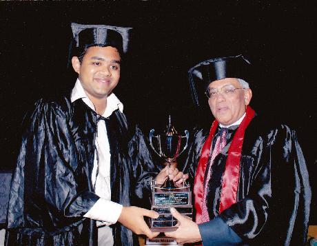 Mr. Deepak Parekh felicitating Mr. Nihal Gopinathan